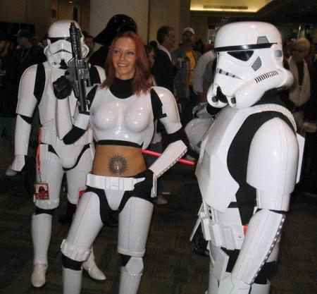 femtrooper-with-belly-button-tattoo-and-gun1
